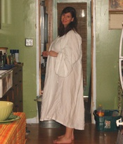 Barefoot_and_pregnant